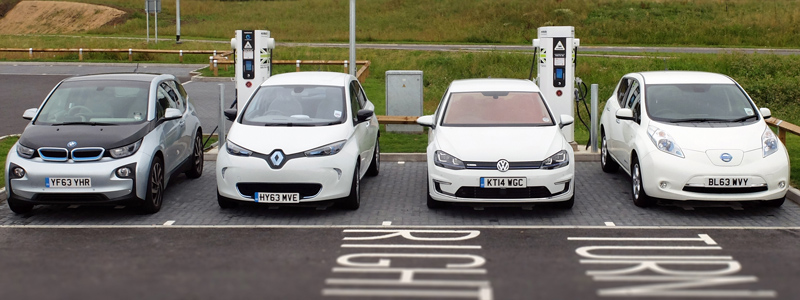 Electric Cars Fast Charging (Image: BusinessCarManager.co.uk)