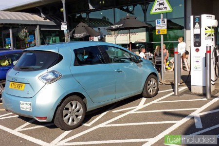 My Renault ZOE fast charging at Rothersthorpe Services (Image: T. Larkum)