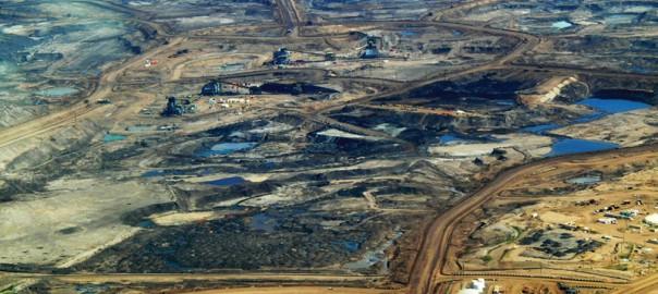 Tar Sands in Alberta (Image: Wikimedia/Howl Arts Collective)