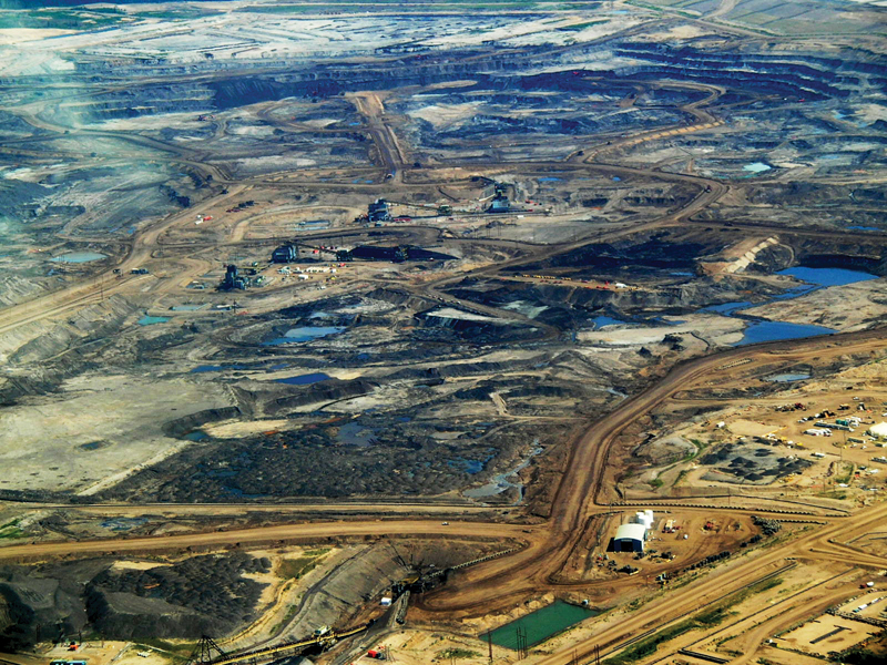 Tar Sands in Alberta (Image: Wikimedia/Howl Arts Collective)