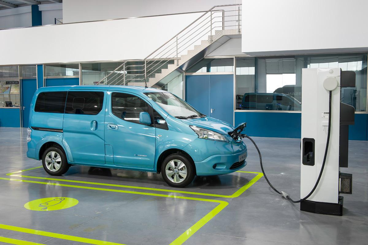 Nissan e-NV200 Combi Electric Van (Image: Nissan)