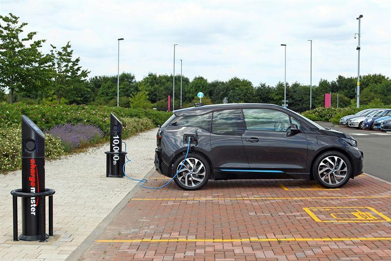 BMW i3 Charging (Image: Chargemaster)