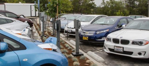 Workplace charging (Image: J. Kalb/Plug In America)