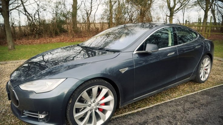 The Tesla Model S is a fully electric, four-door saloon car (Image: IB Times UK)