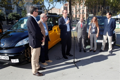 Nissan delivers first all-electric taxi to Barcelona (Image: Nissan)
