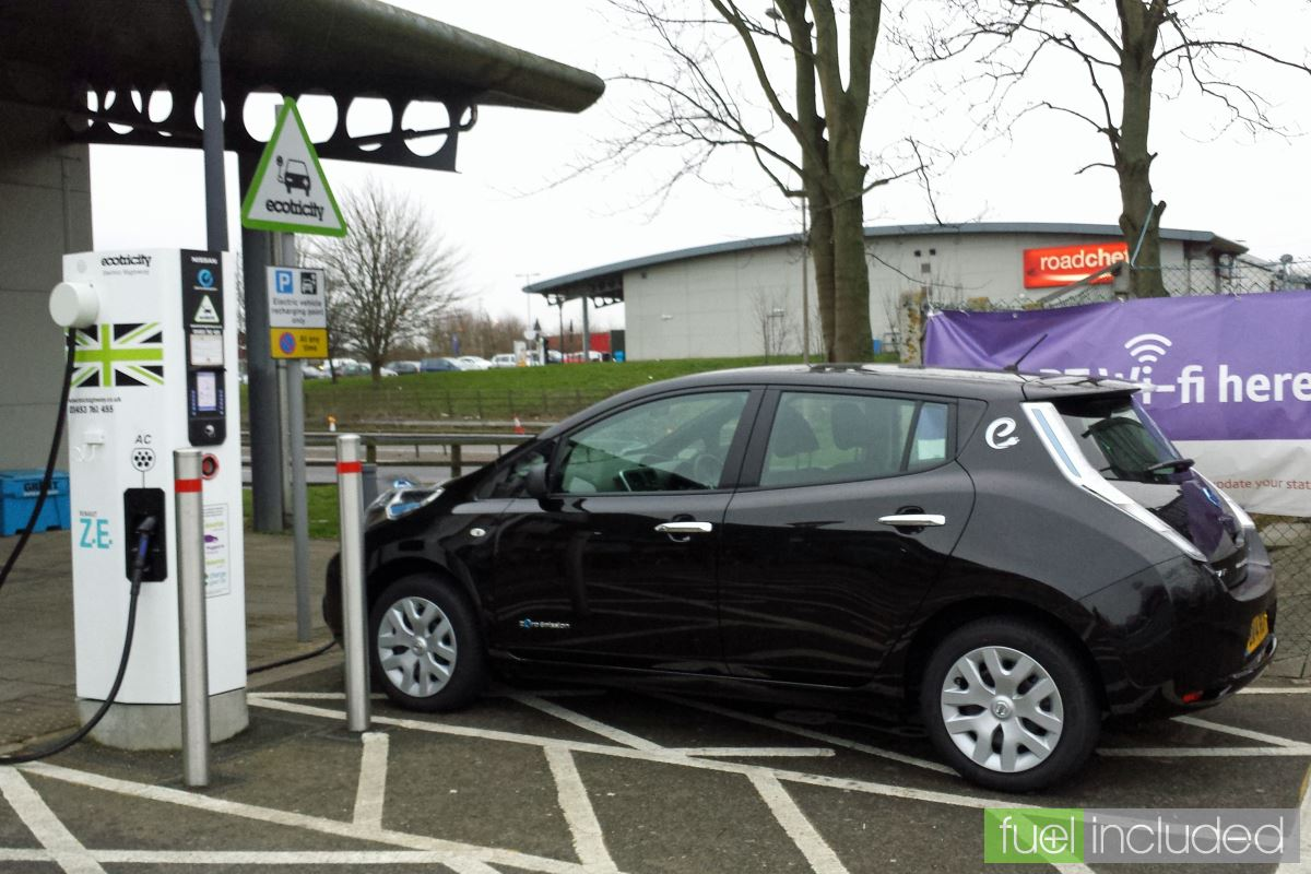 Charging the Nissan Leaf at an Ecotricity Rapid Charger (Image: T. Larkum)