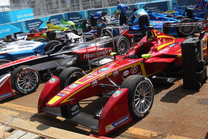 Eight manufacturers to enter Formula E next season