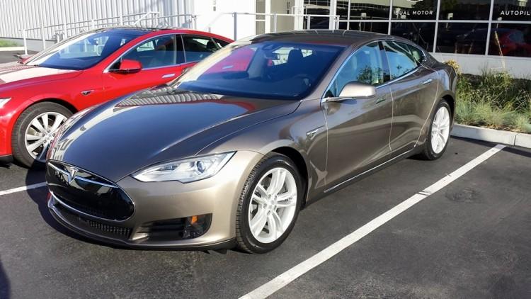 Warm Silver Tesla Model S 70D
