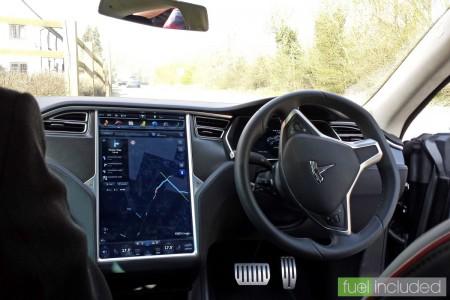 The Model S touchscreen system (Image: T. Larkum)
