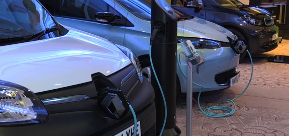 Electric vehicles on charge (Image: ELN)