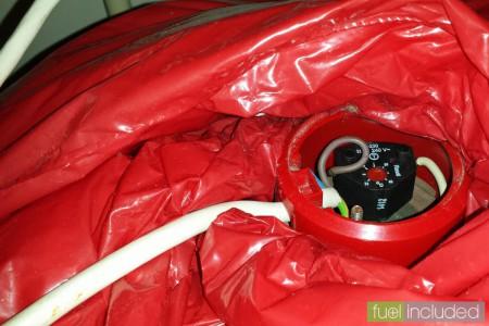 Figure 3: New thermostat installed, note temperature adjustment (Image: T. Larkum)