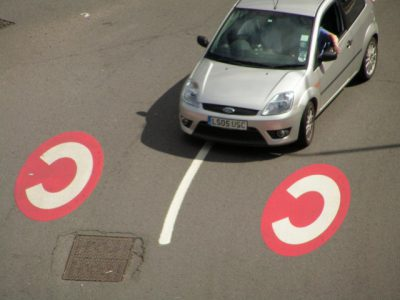 Car entering London's Congestion Charge zone (Image: Flickr/jovike)