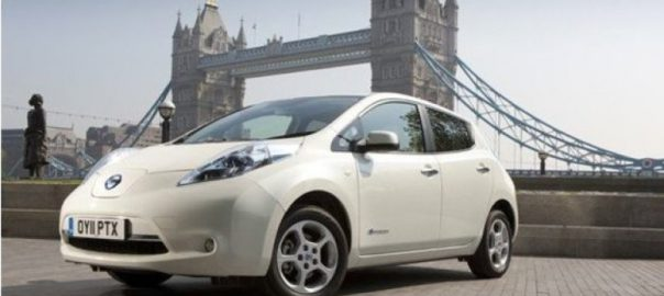 Nissan Leaf by Tower Bridge, London