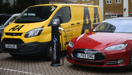 The two firms will launch an information campaign, install chargepoints, and improve network access