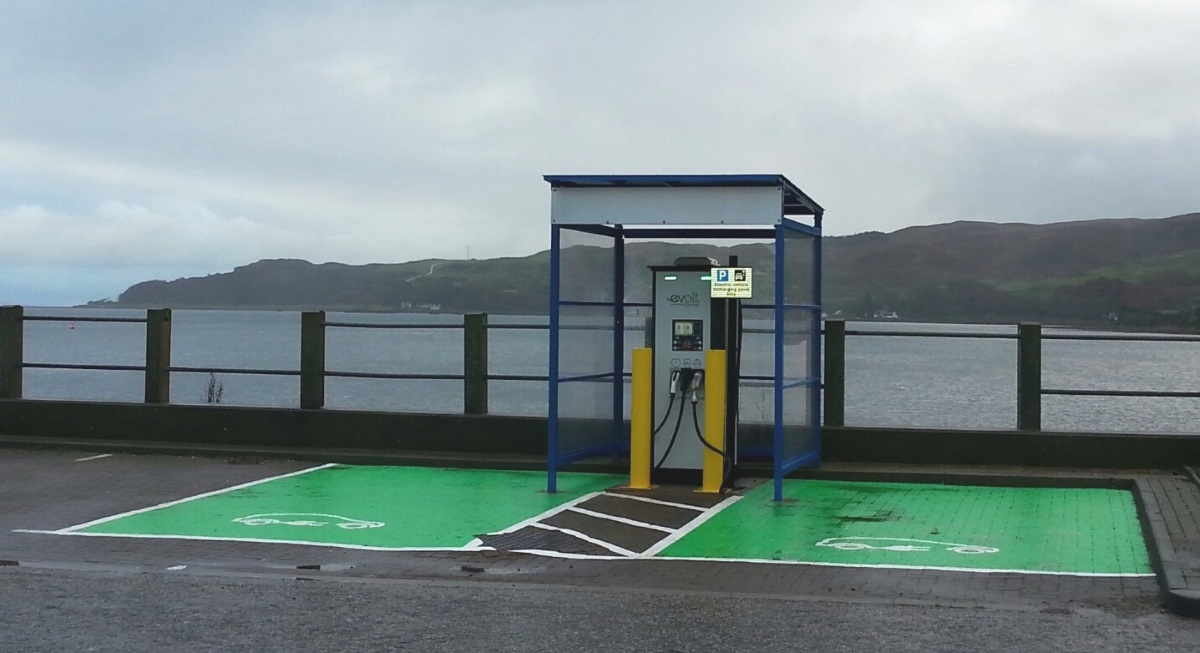 Evolt charge point, Lorne Street (Image: Evolt)