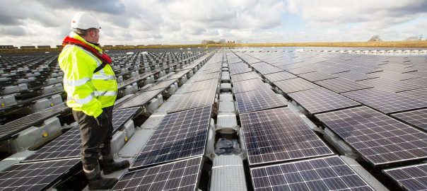The floating solar farm on Godley Reservoir near Manchester (Image: A. Cooper/Guardian)