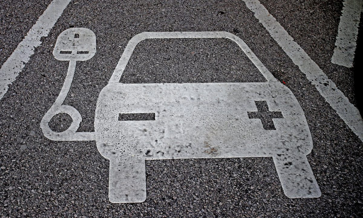 Shell said it is examining the potential to introduce electric vehicle charging points across some parts of its UK retail network from early 2017 (Image: P. Byrne/PA)