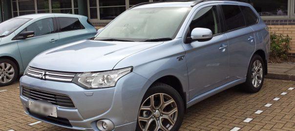 Mitsubishi Outlander PHEV (Image: T. Larkum)