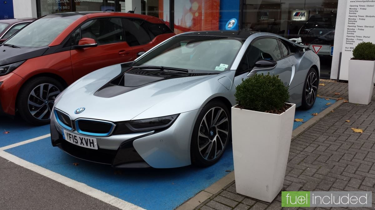 BMW i8 in Ionic Silver (Image: T. Larkum)