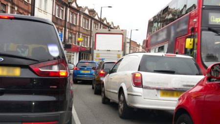 Air pollution causes 40,000 early deaths in the UK and costs the country £27.5bn a year, according to a government estimate