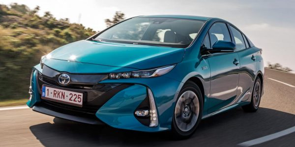 New Toyota Prius Plug-in hybrid 2017 review