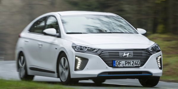 Hyundai Ioniq Plug-in 2017 review
