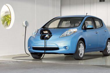 Home charging a Nissan Leaf (Image: Nissan)