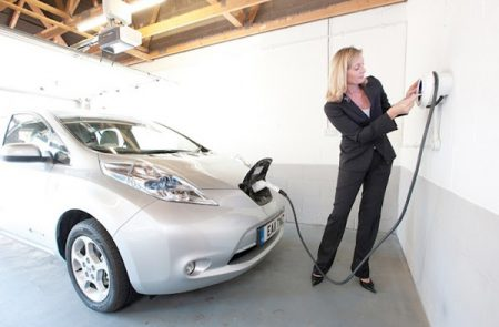 Charging a Nissan Leaf in the garage (Image: Chargemasterplc.com)