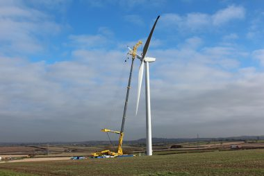 Blades Being Installed on Turbine 5, Yelvertoft Wind Farm (Image: T. Larkum)