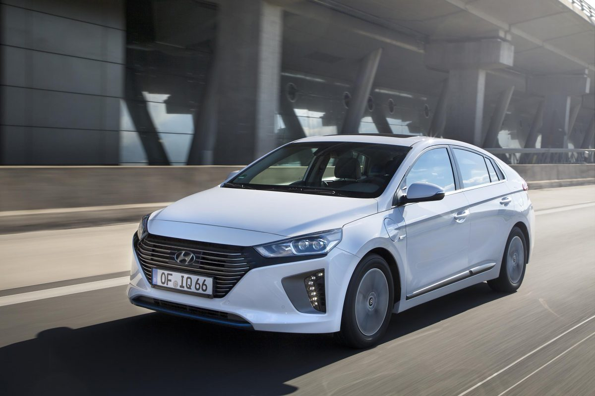 hyundai ioniq plug in hybrid uk pricing revealed a new angle on energy. Black Bedroom Furniture Sets. Home Design Ideas