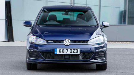 The Golf Gte Is Volkswagen S Idea Of A Fleet Friendly Electrified Performance In Vein Legendary Gti With Combined Output 204hp From