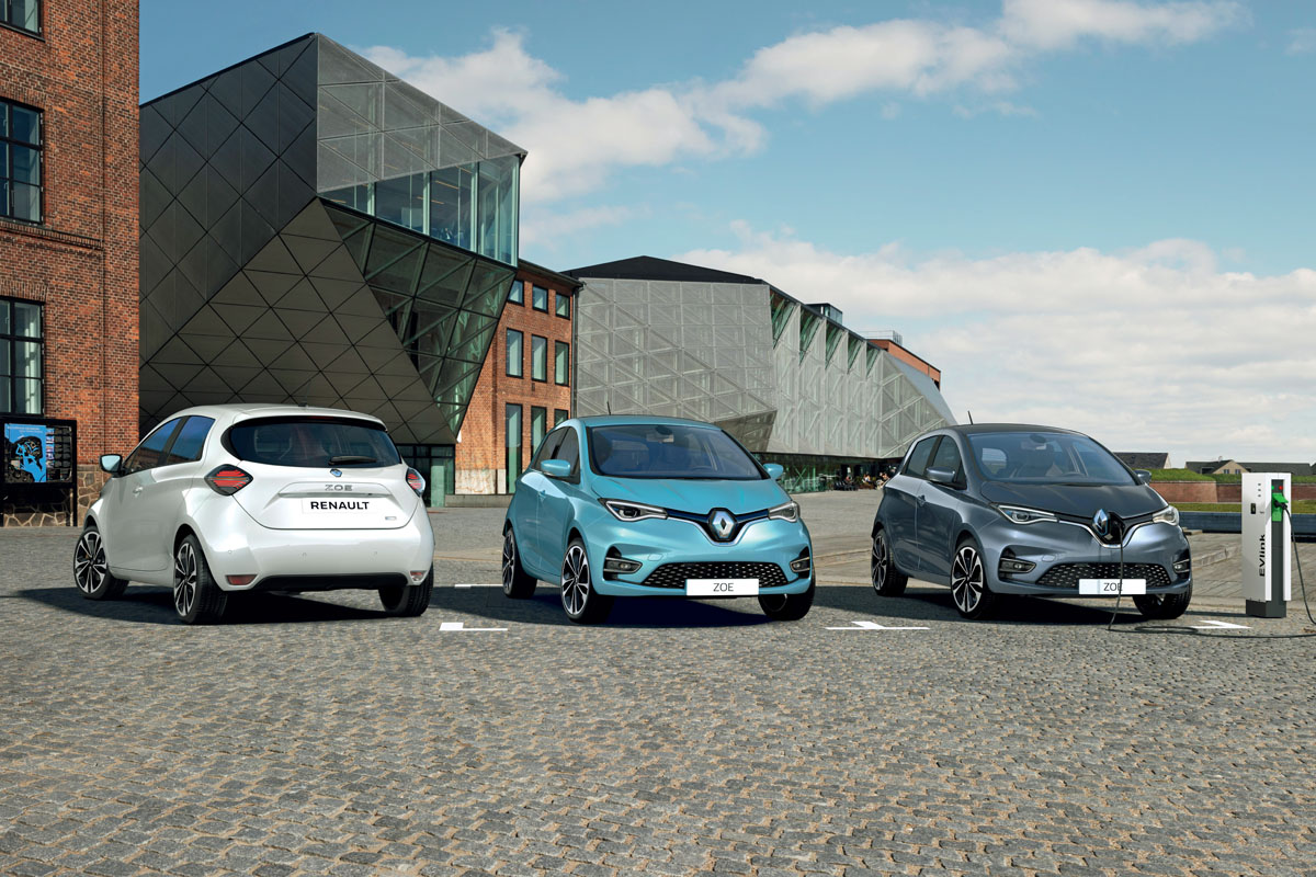 Renault Zoe Test >> Test Driving The New Renault Zoe More Power Range And